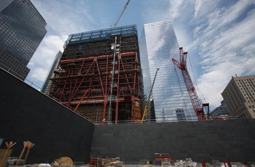 The Memorial and 1 World Trade Center rise. (Photo: Lower Manhattan Construction Command Center)