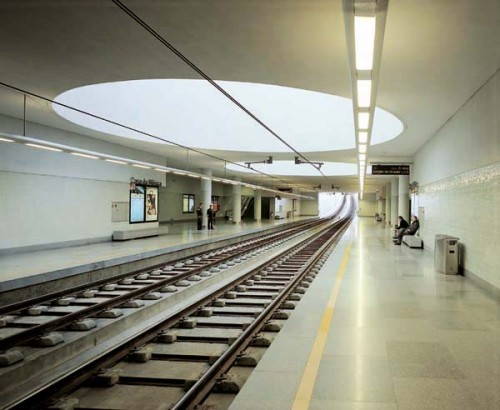 Metro Station in Porto, Portugal (Courtesy El Croquis)