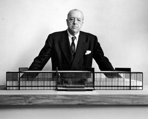 Mies standing behind a model of Crown Hall (Courtesy Illinois Institute of Technology)