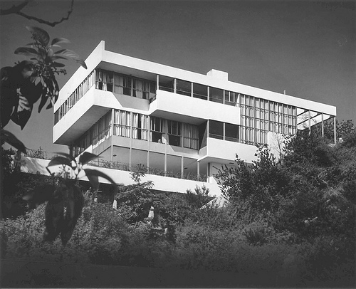 Neutra's Lovell Health House, one of the Neutra homes you can visit this weekend.