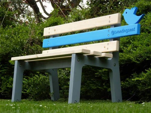 Tweeting Seat (Courtesy Christopher McNicholl via Yanko Design)