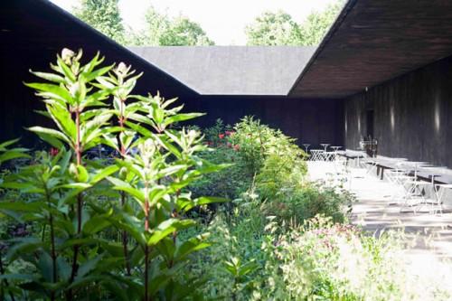 Zumthor's Serpentine Pavilion 2011 (Walter Herfst)