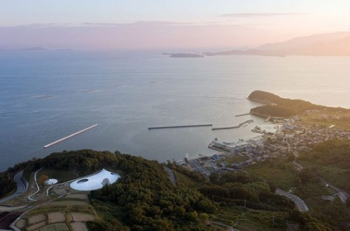 Aerial view of the Teshima Art Museum, lower left (ArchDaily)