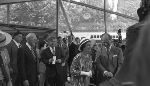 The Queen visits the original in the Mitchell/Giurgola designed Liberty Bell pavilion.
