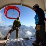 Installation of the Gervasutti Bivouac on the Mont Blanc range's Freboudze Glacier (LEAPfactory)