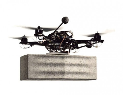 An example of the flying robot carrying a styrofoam brick. (Courtesy FRAC Centre)