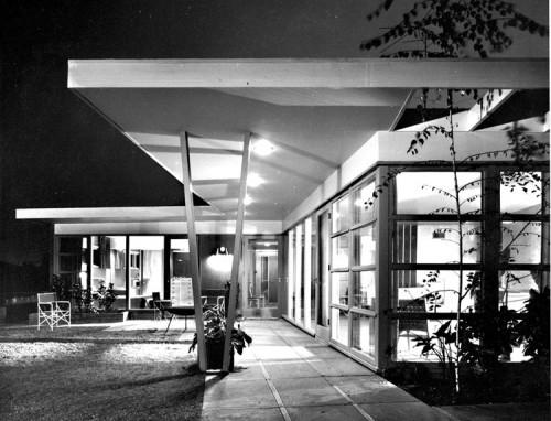 Choy Residence. (Julius Schulman)