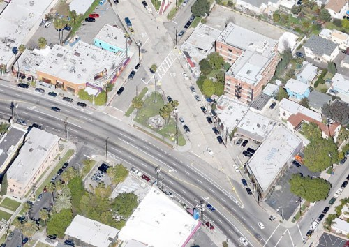 The street before conversion into a pedestrian plaza. (Courtesy Google)