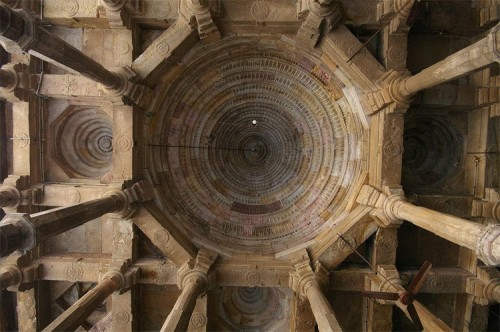 A corbel dome at the Great Mosque in Ajmer, India. (Andrea Kirkby/Flickr)
