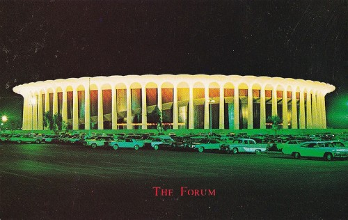 Historic image of the LA Forum. (hmdavid/Flickr)