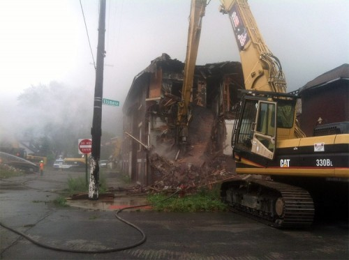 Demolition happening today in Detroit. (Courtesy Curbed Detroit)