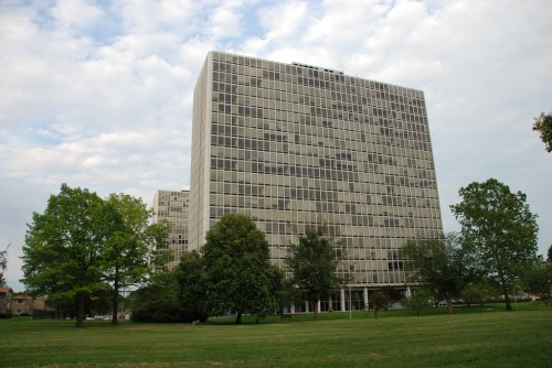 Detroit stalled HUD's planned auction of the Mies towers. (COURTESY GEHAD HADIDI VIA FLICKR.)