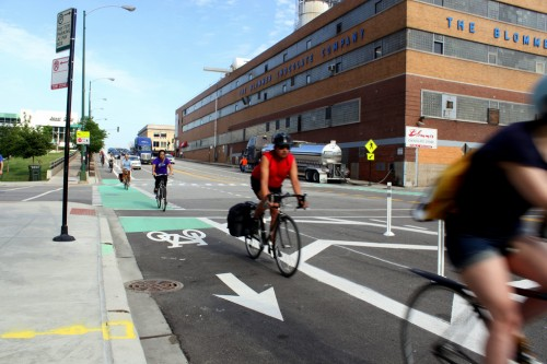 Protected bike lanes on Kinzie Street. (Image courtesy Josh Koonce via Flickr.)