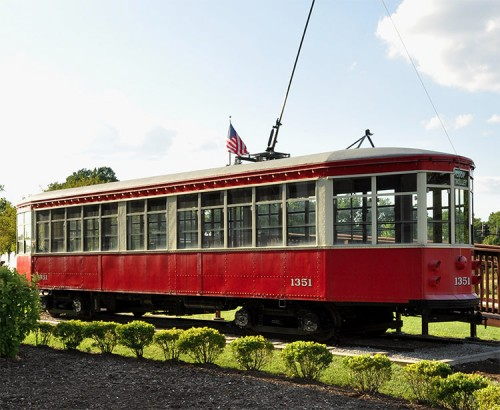 One of the vintage trolley cars that will eventually traverse St. Louis' Delmar Loop. (Claudia Daggett/Flickr)