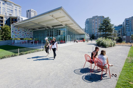 Exterior of PACCAR Pavilion at the Olympic Sculpture Park by Weiss/Manfredi Architecture/Landscape/Urbanism. (Iwan Baan)