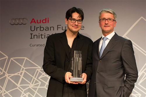Eric Höweler accepts the 2012 Audi Urban Future Initiative Award. (Courtesy Audi Urban Future)