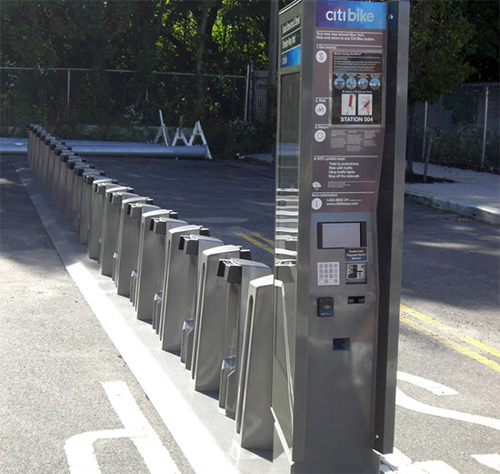 Citibike station at the Brooklyn Navy Yard. (Michael Cairl/Brooklyn Spoke)