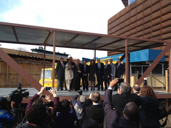 City officials and Forest City Ratner come together to break ground on B2. (Nicole Anderson/AN)