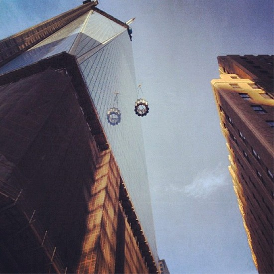 Antenna segments being hoisted to the top of One World Trade. (Courtesy Governor Cuomo)