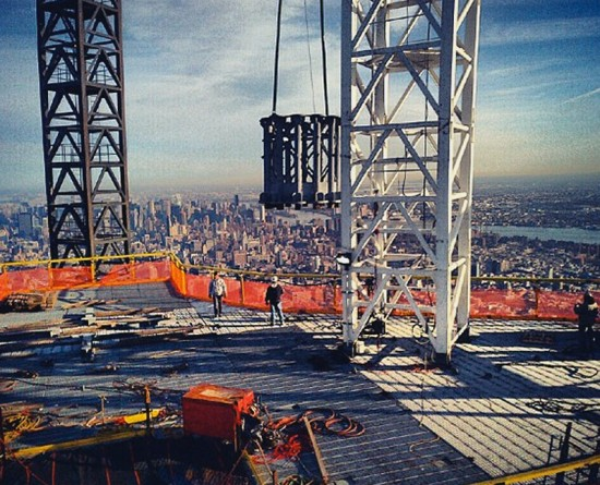 Antenna segments lifted to the top of One World Trade. (Courtesy Governor Cuomo)