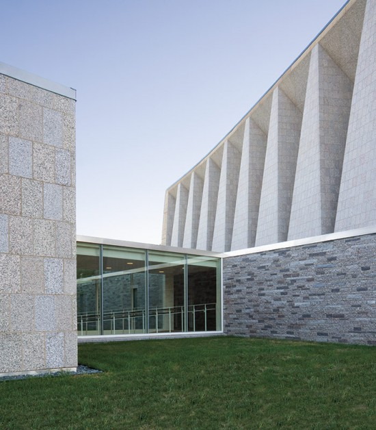 Blessed Sacrament Chapel and Abbey Church Pavilion (Courtesy of Paul Crosby Studio)