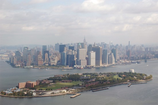 Aerial view of Governors Island. (AJP79 / Flickr)