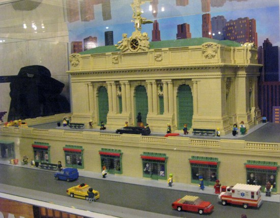 A LEGO model of Grand Central Terminal built for the station's 100th birthday. (Courtesy Kevin Ortiz / @MTA_NYCT_Vocero)