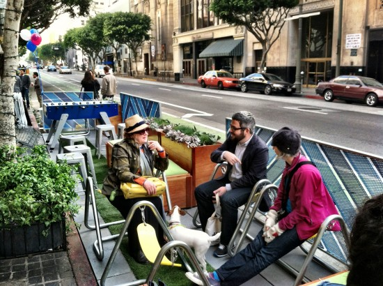 Enjoying LA's newest Parklet. (Sam Lubell / AN)