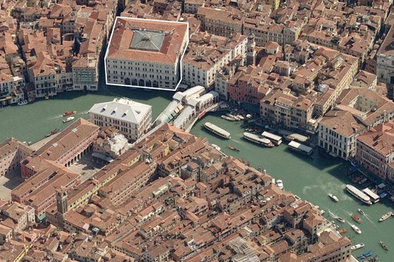 Aerial view of the palazzo, outlined in white, in its current condition. (Courtesy OMA)