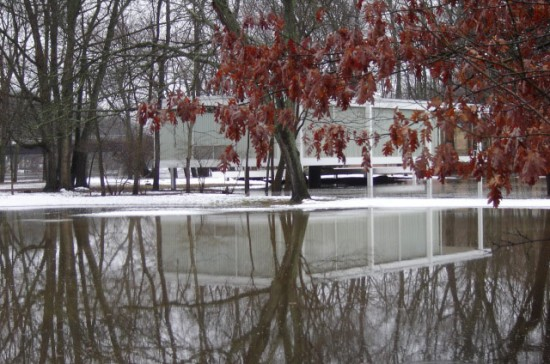 Floodwaters surround Mies van der Rohe's Farnsworth House. (Courtesy Farnsworth House)