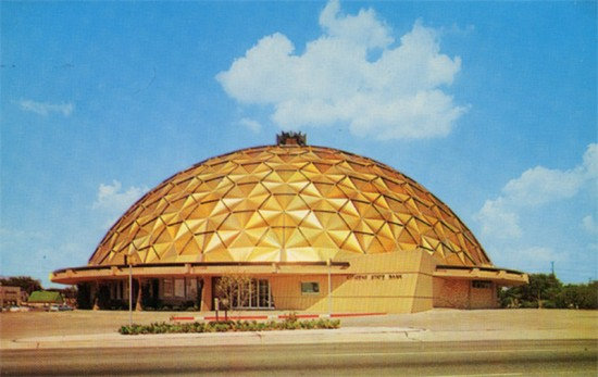 The Gold Dome in the 1950s. (Roadsidepictures / Flickr)