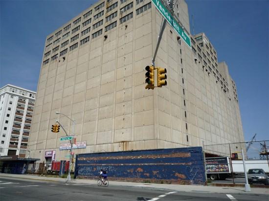 Building 77 at the Brooklyn Navy Yard. (emma.maria / Flickr)