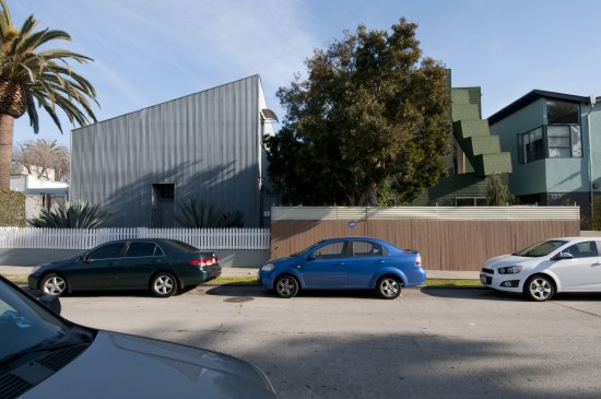 Hopper Residence next to Arnoldi Triplex. (Larry Underhill)
