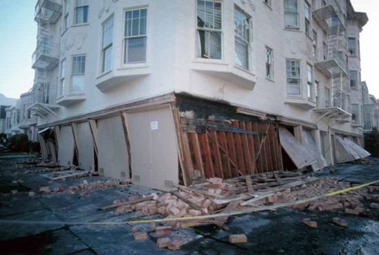 Soft story building damaged after the 1989 Loma Prieta earthquake. (Courtesy California Watch)