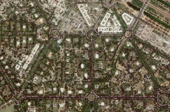 Aerial view of a portion of Lutyens' Delhi showing its unique street grid. (Courtesy Here Maps)