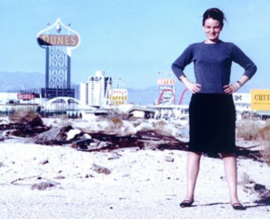Denise-Scott-Brown-Las-Vegas-1972-www.glamcult.com_