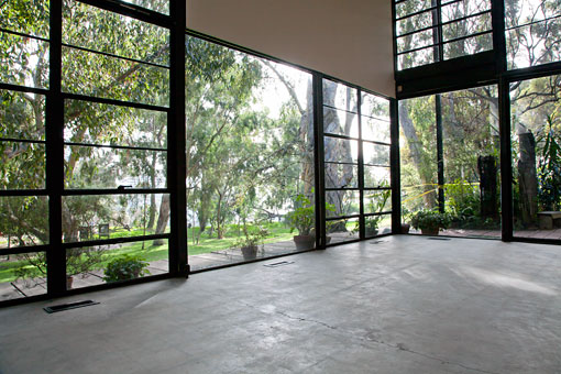 Eames House Conservation Project, view of the steel frame window wall (Holly Brobst, GCI)