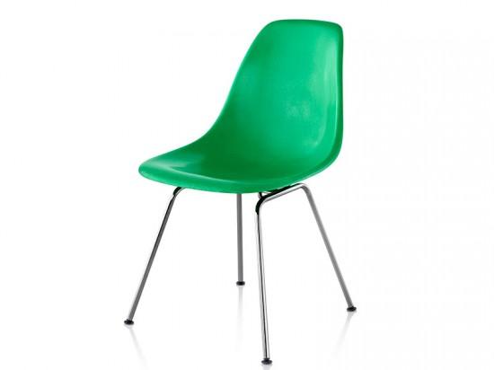 Eames Molded Fiberglass Side Chair from Herman Miller