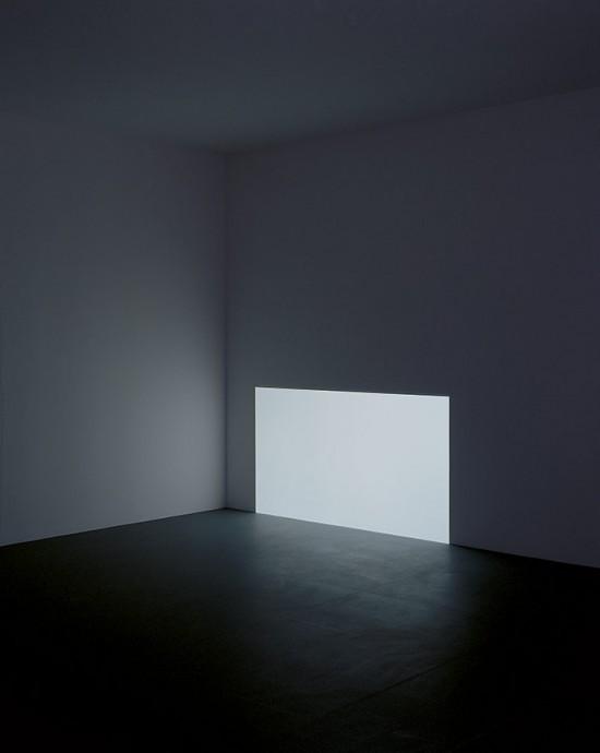 Prado (White) (Courtesy Florian Holzherr)