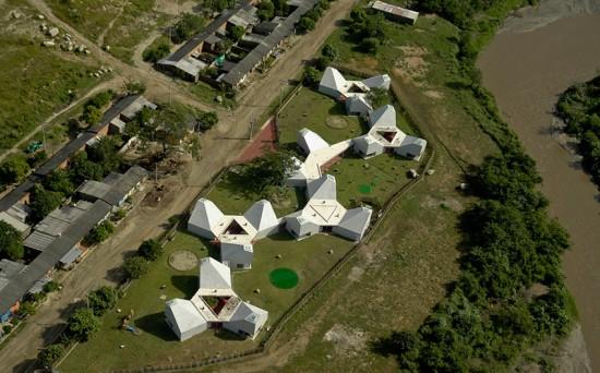Timayui Kindergarten, Santa Marta, Colombia, Giancarlo Mazzanti. (Jorge Gamboa)