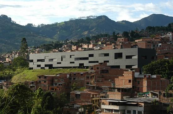 Fernando Botero Park Library, Medellin, Colombia, G Ateliers, Adriana Salazar. (Orlando Garcia)