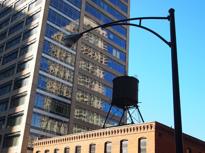 A water tank in downtown Chicago. (Jaysin Trevino via Flickr)
