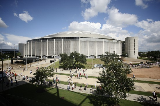 The Houston Astrodome as it appeared in 2009. (Ed Schipul / Flickr)