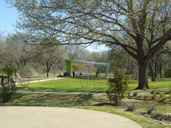 The inverted structure magnifies the exterior profile of the pavilion. (Courtesy Architexas)