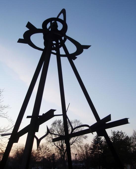 Mark Di Suervo Sculpture in Western Sculpture Park. (Courtesy Mykl Rovertine / Flickr)