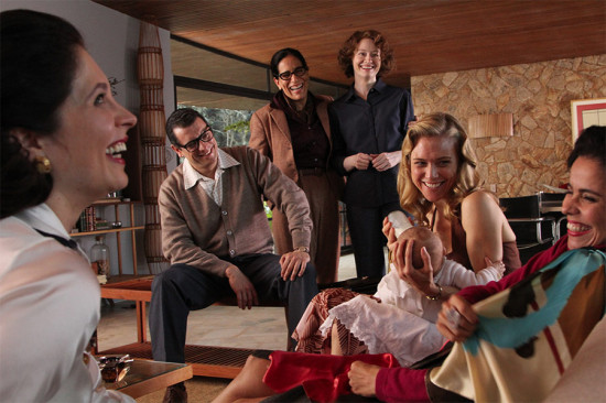 "MARCELLO AIROLDI as Carlos Lacerda, MIRANDA OTTO as Elizabeth Bishop, GLÓRIA PIRES as Lota de Macedo Soares and TRACY MIDDENDORF as Mary in the movie ""Reaching for the Moon"" (Lisa Graham / Courtesy L.C. Barreto)"