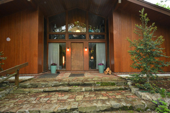 The home is sited on a 1.1-acre lot. (Larry Metz)