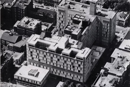 Josep Lluis Sert's Holyoke Center at Harvard University (Courtesy Docomomo via Harvard)