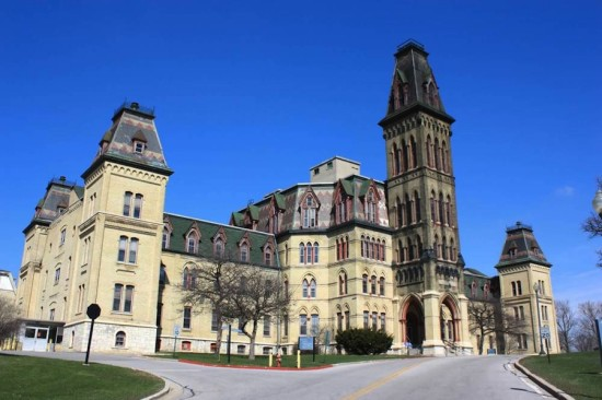Old Main at The Milwaukee National Soldiers Home (Courtesy Milwaukee Preservation Alliance)