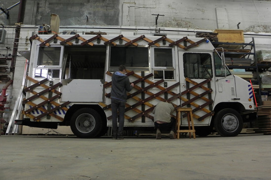 Its modular design adapts to the flat surface and the uninterrupted side of the truck. (courtesy Situ Studio)
